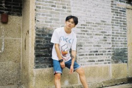男生夏季帅气日常穿搭,T恤+短裤,简单又有型
